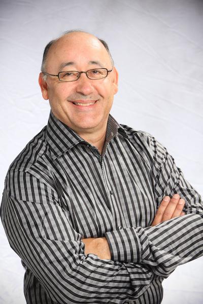 Headshot Dr. Roger Garcia